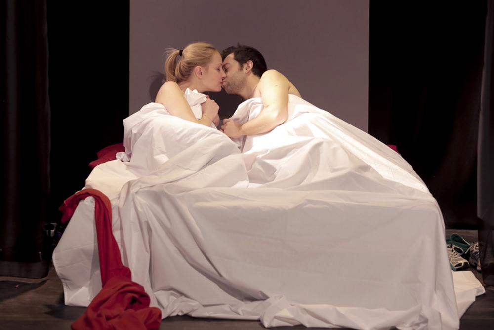 Un baiser s'il vous plaît - Photo Fabienne Rappeneau