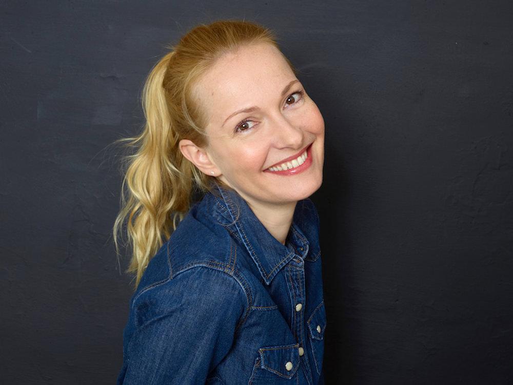 Portrait de la comédienne Cybèle Villemagne par Céline Nieszawer
